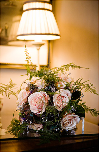 A Christmas boquet. ISO 800, 1/60th second, at f/2.8