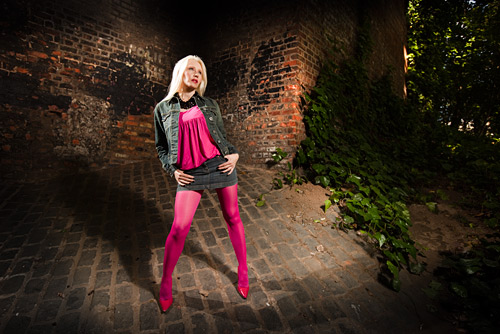 This picture used a silver brolly in conjunction with my Lovegrove flash bracket and a 430EX2 Speedlight as the key.