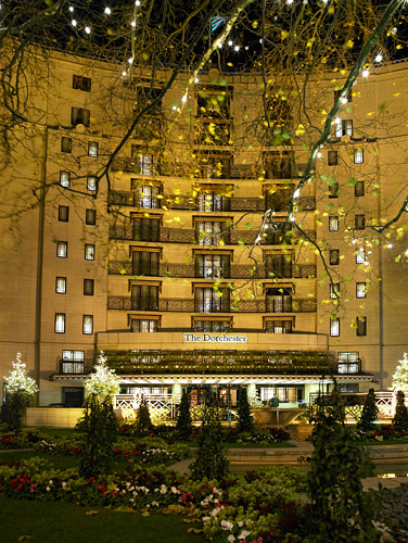 Don't forget to get your tripod out for a venue shot. 1 second at f/5.6 ISO 400 was enough for this shot of the Dorchester on Park Lane.