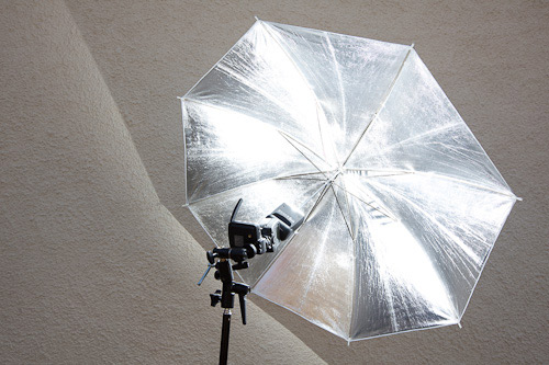With the Canon pop up wide angle diffuser in place the brolly is literally filled with light right to the brim all round.