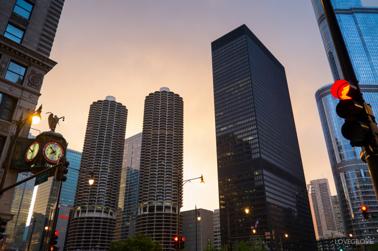 6. The Chicago skyline lit up the streets with a fabulous pinkish glow at dusk.