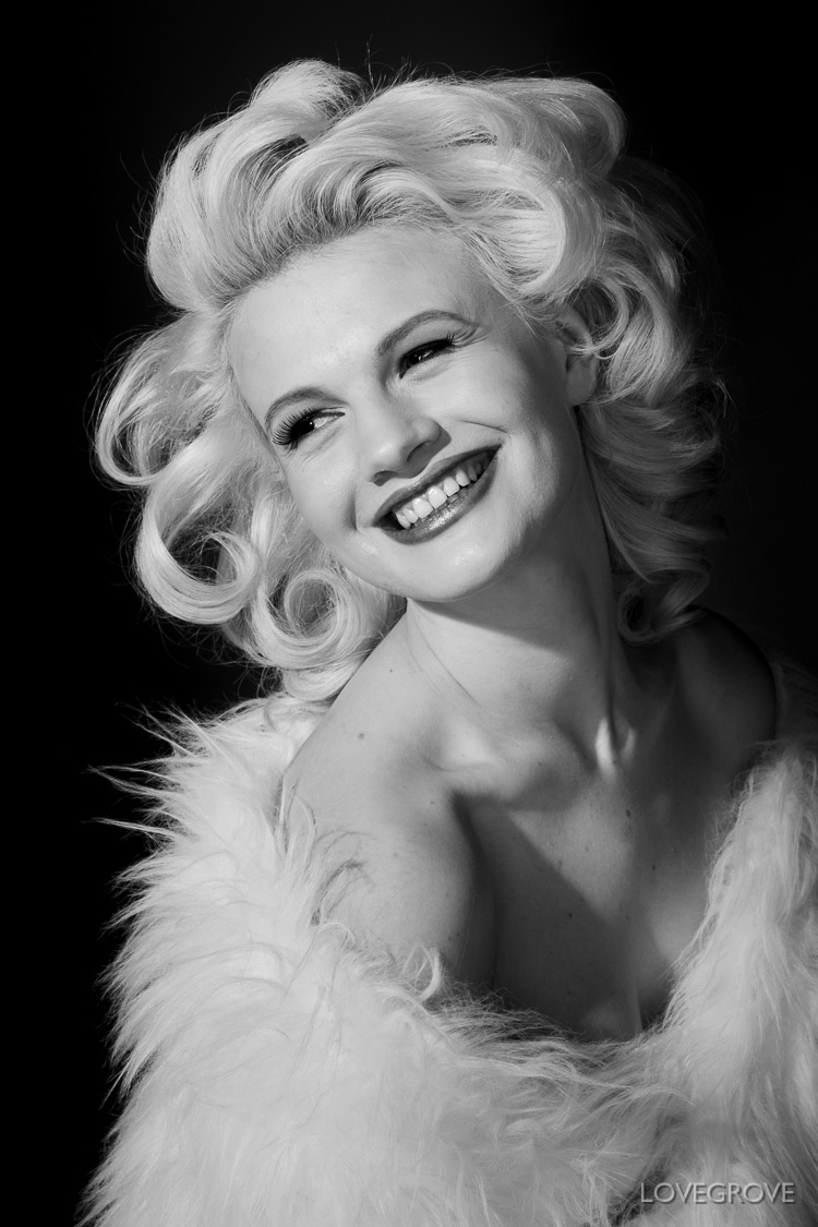 01. Just one Lupolux LED 650 spotlight was used to create this Marilyn style image.I used a piece of light frost gel attached to the barn doors of the lamp to subtly diffuse the light.